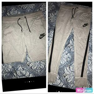 Euc Nike jogger sweatpants size medium